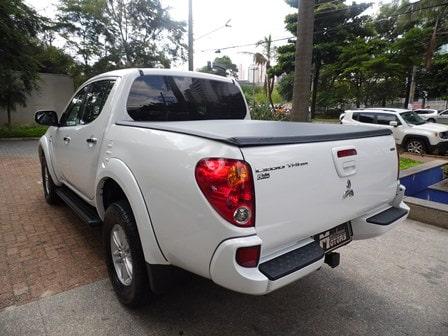 Mitsubishi L200 Triton traz uma picape estável